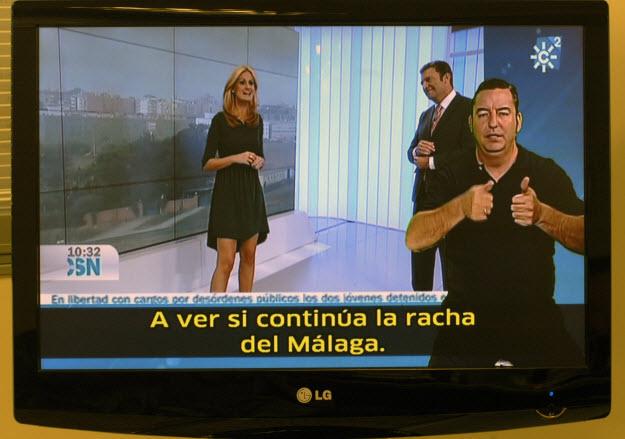 Captura del telediario de Canal Sur con intérprete de signos