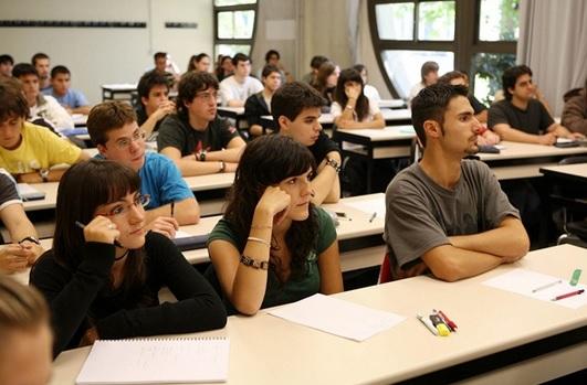 Varias universidades españolas ya contemplan la Lengua de Signos entre sus asignaturas