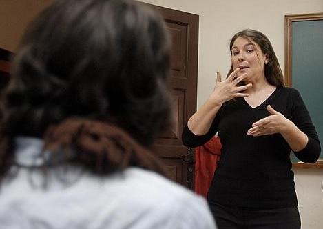 Intérprete de la lengua de signos