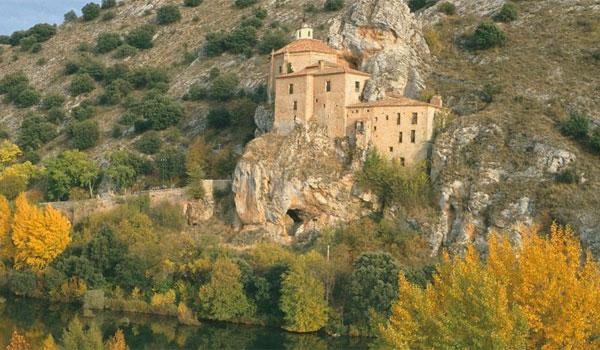 Un rincón soriano, la ermita de San Saturio